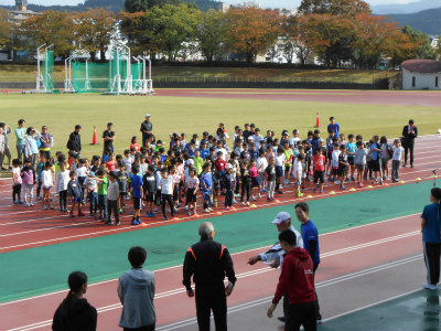 金沢マラソンプレゼンツ・ジュニアランニングレッスン開講式の様子・1♪