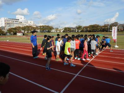 金沢マラソンプレゼンツ・ジュニアランニングレッスン_800m試走・1♪