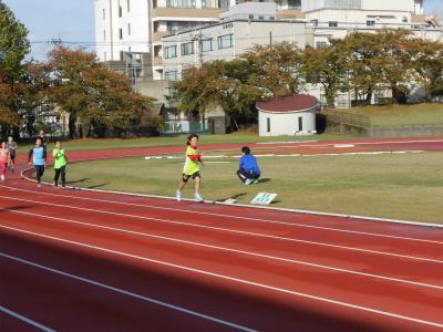 金沢マラソンプレゼンツ・ジュニアランニングレッスン_800m試走・3♪