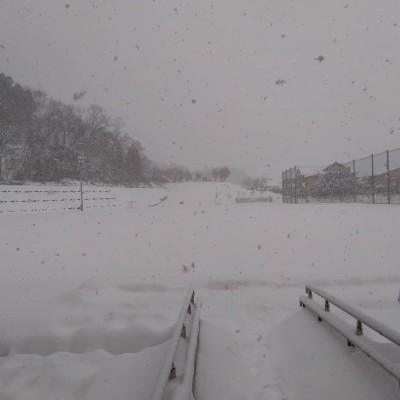 210109小学校のグラウンドの雪